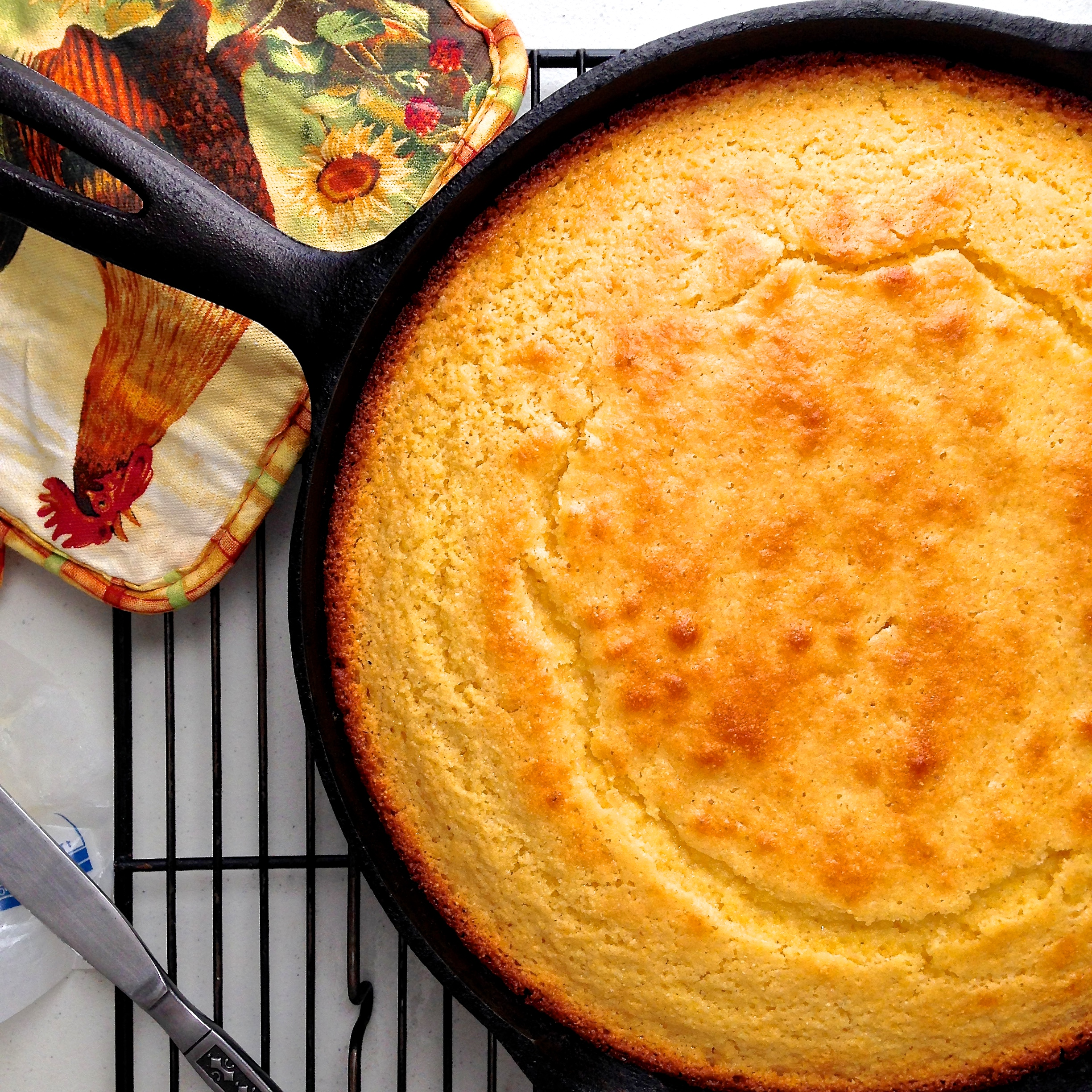 Buttermilk Honey Skillet Cornbread - 11 Recipes To Cook With Honey